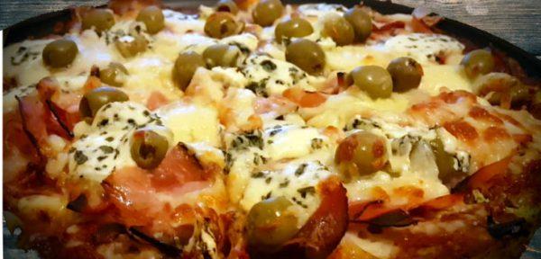 Pizza Bez Múky. Nízkosacharidová pizza s brokolicovo-syrovým cestom